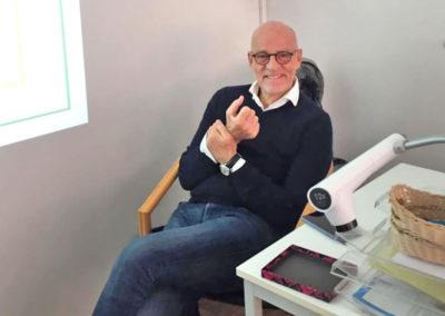 Unser Dozent Dr. med. Ulrich Bauhofer – er ist unter anderem Präsident der Deutschen Gesellschaft für Ayurveda e.V.